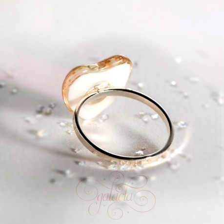 Breastmilk ring with heart shaped stone